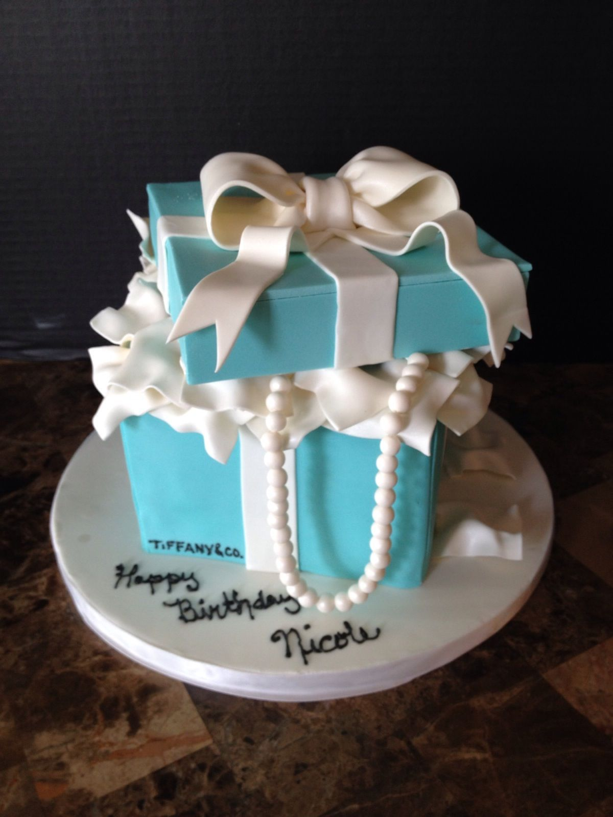 Tiffany Box Cake Perfect For Any Girl Birthday Cale 30th Parties