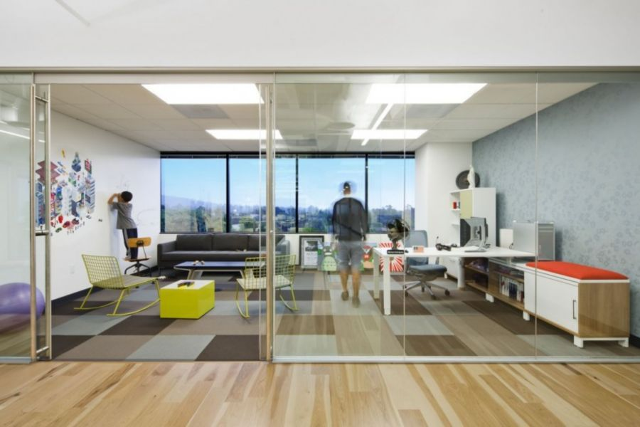 Amazing Office Layout Design With Glass Wall In Elegant Dreamhost Office Interior  (900×600) Good Looking