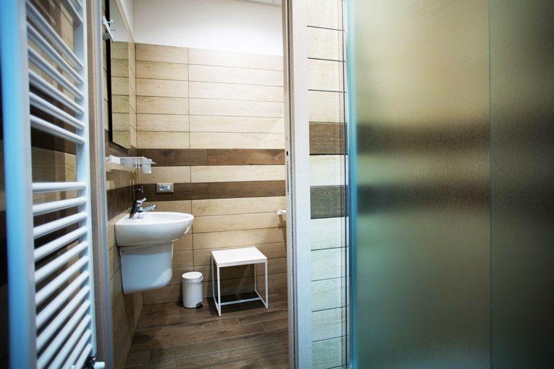 Dettaglio di arredo di un bagno privato presso lo studentato di ...