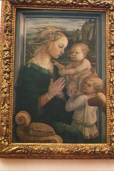 Madonna and Child with Angels by Filippo Lippi in Uffizi Gallery