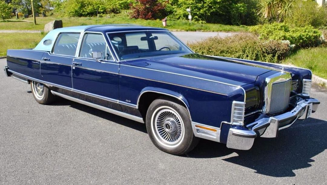 1977 Lincoln Continental Town Car Lincolnmotorcar Showcase Badwf On Instagram Lincoln Continental Townc Lincoln Continental Lincoln Cars Lincoln Motor