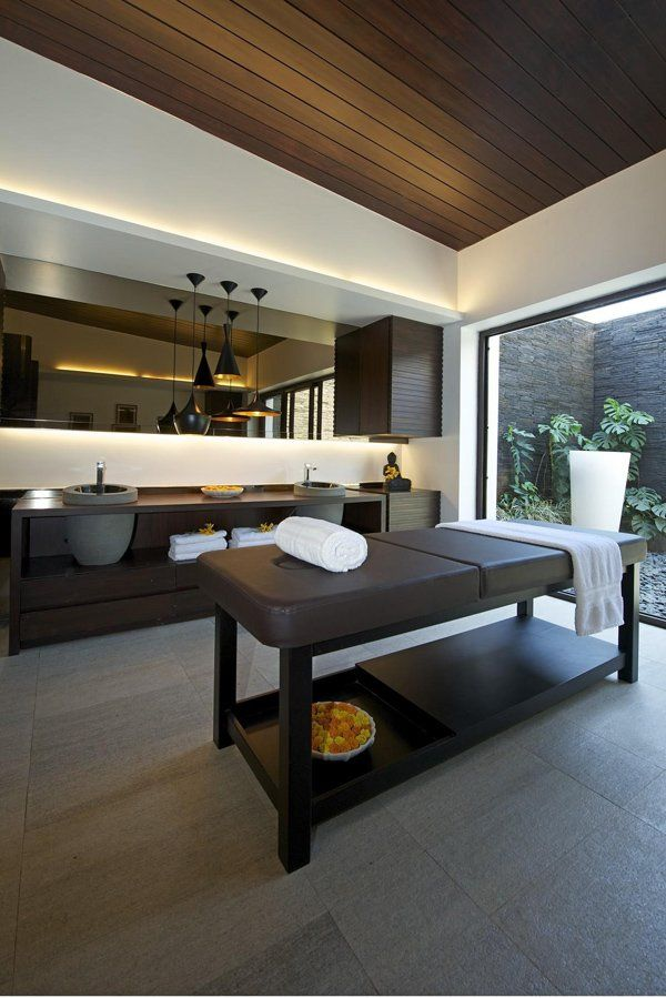 Massage Therapy Room Design Ideas: Imposing Luxury Residence In India: PA House