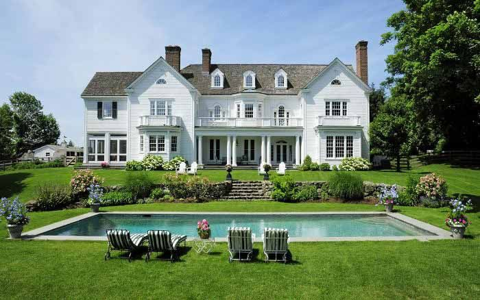 The House Behind The Beautiful Entrance Colonial Exterior House Exterior Dream House Exterior