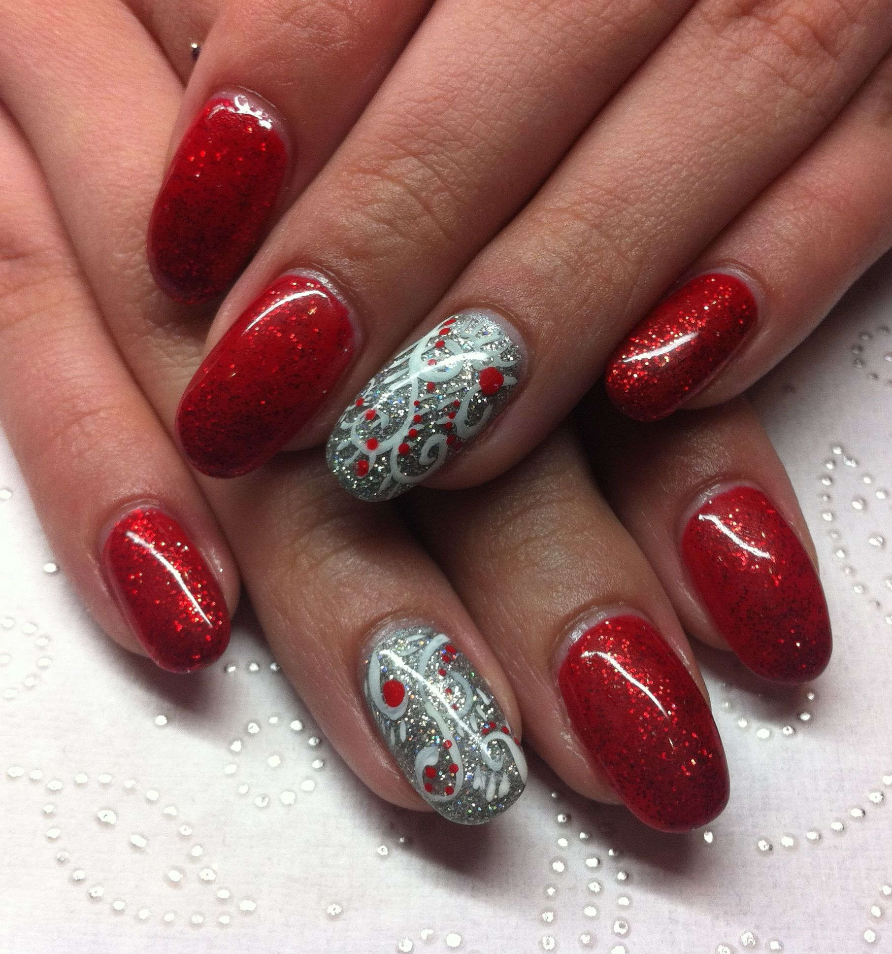 Christmas Nails red and silver | Nails By Mochaberry | Pinterest