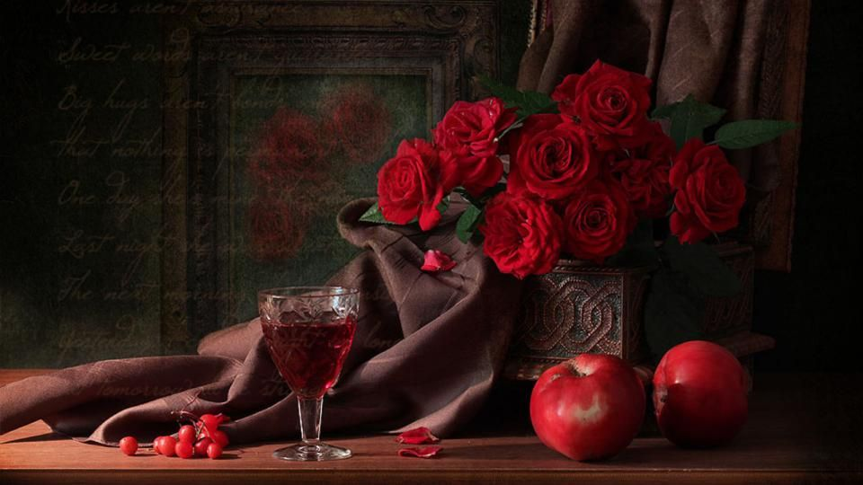 принял красивые картинки вино и роза на столе помощи техники