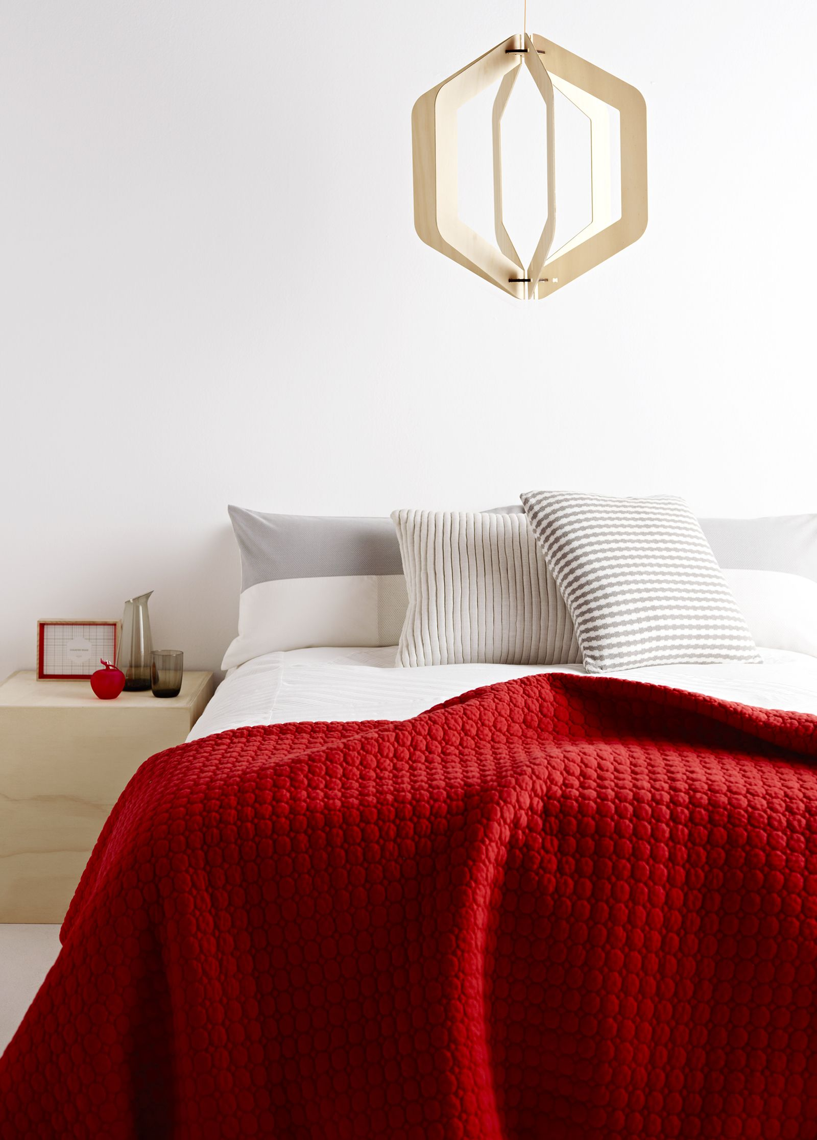 Via Country Road | Red and White Bedroom | Wooden Lamp