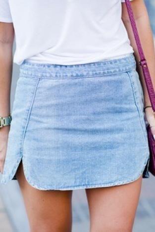 Mini saia jeans.