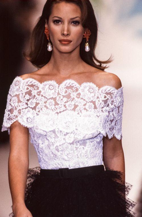 Oscar de la Renta Vintage Fashion Show
