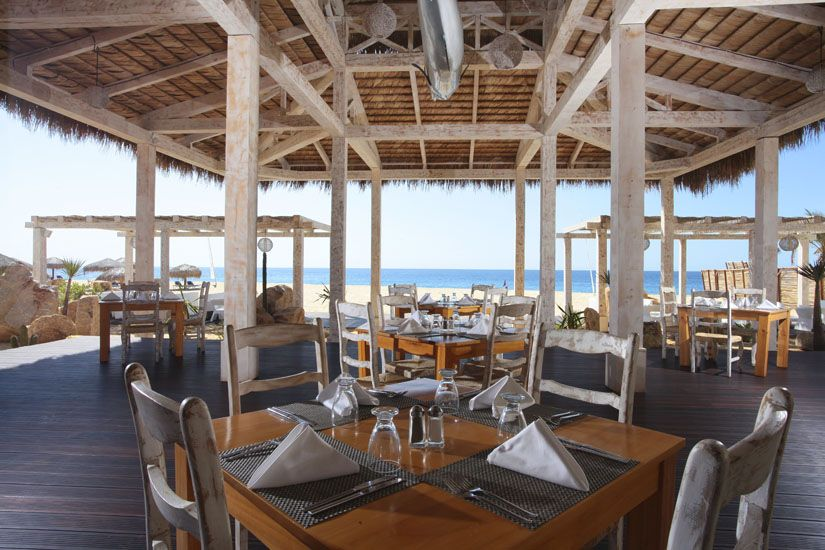 Enjoy the sound of the Pacific waves while you're having a delicious dinner at our restaurant #TortugaBeach. http://bit.ly/1hxo5Vh  Disfrute del sonido de las olas del Pacífico mientras tiene una deliciosa cena en nuestro restaurante #TortugaBeach. http://bit.ly/1hxofvB