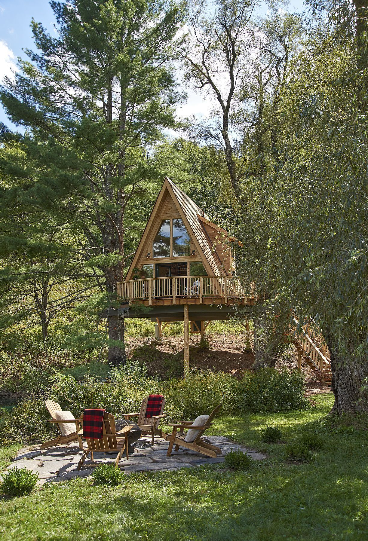 Treehouse Masters Pete Nelson Takes Us Inside One Of His Coolest Tiny Houses Ever