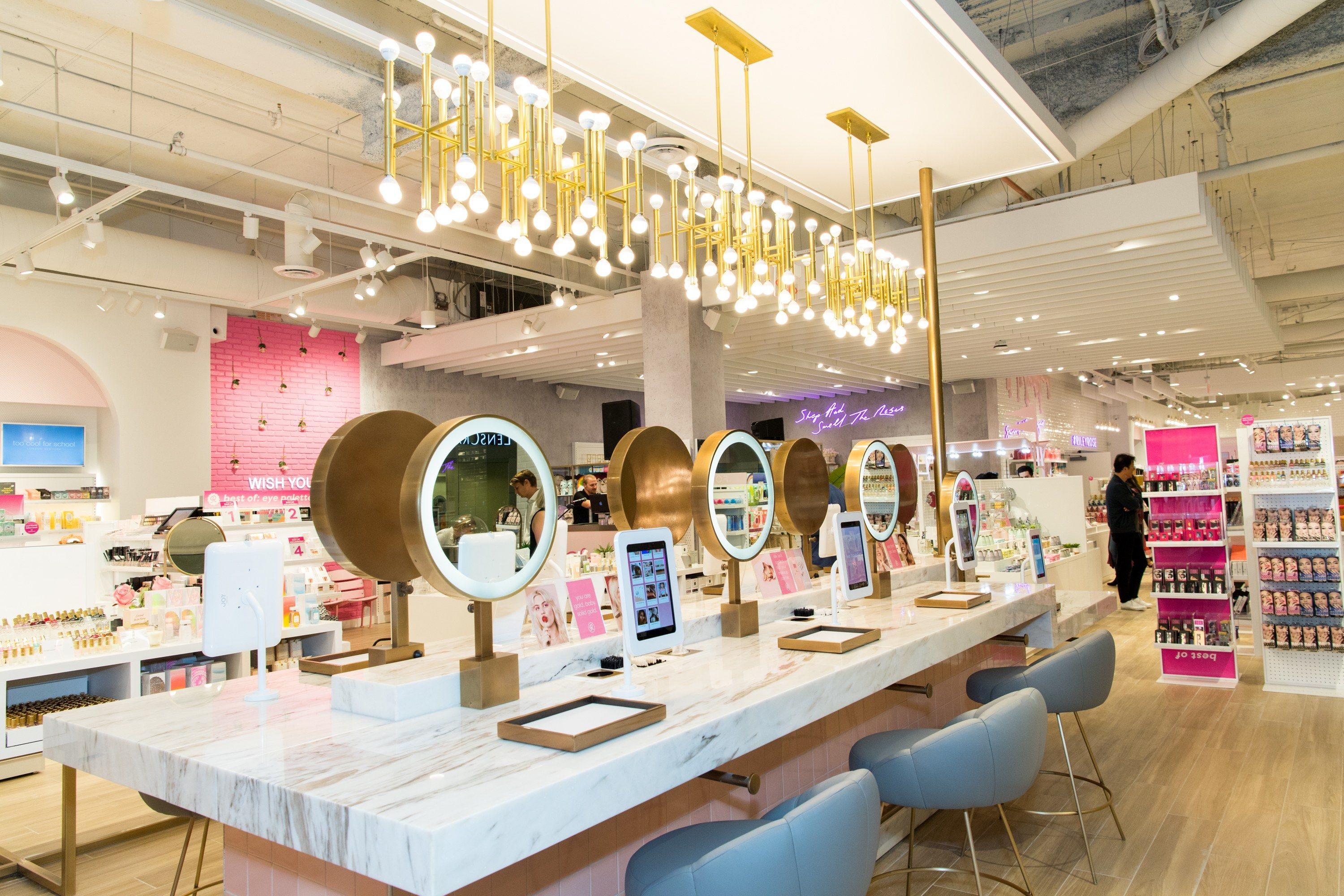 This New Beauty Concept Store From Forever 21 Is A Makeup Junkie S Playground Makeup Boutique Beauty Store Concept Store