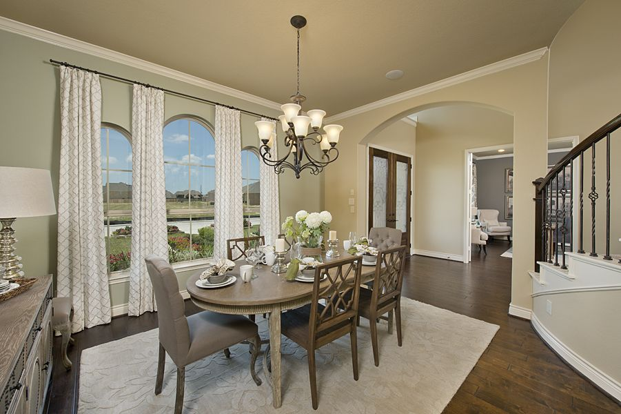 Cypress creek lakes model home 4931 sq ft dining