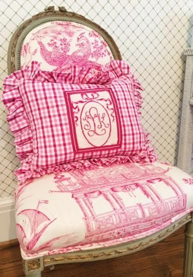 How gorgeous is this pillow?!