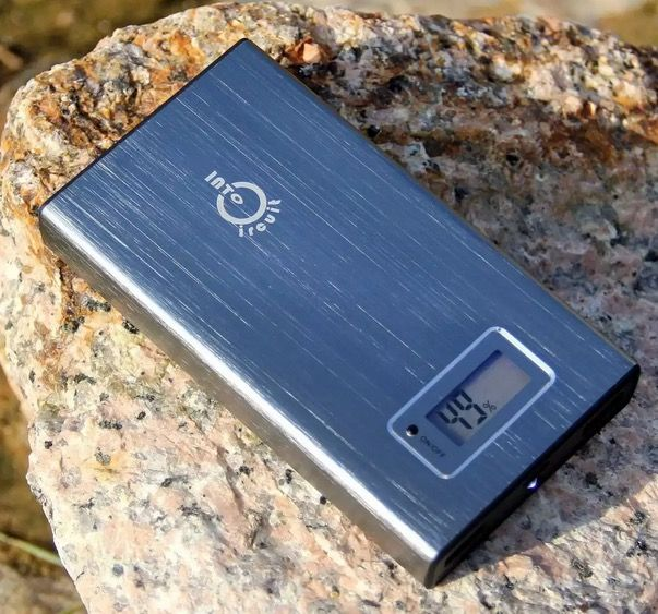 Gli imperdibili: caricabatterie da muro 6 porte USB cuffie Jabra custodia iPad con tastiera bluetooth e tanto altro ancora