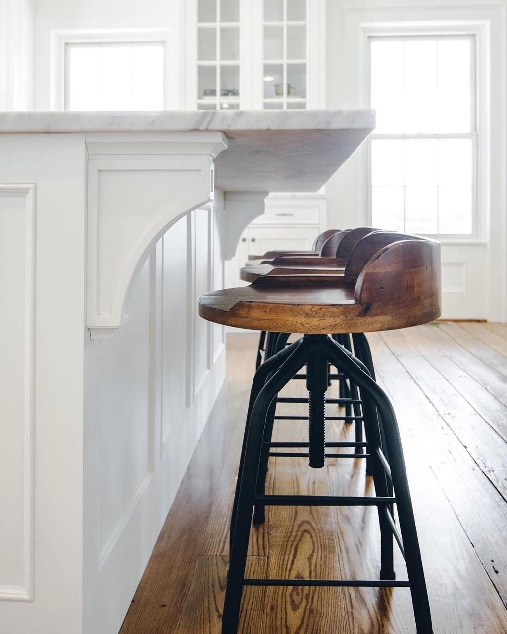 Love These Industrial Style Bar Stools In A White Kitchen With Images Farmhouse Bar Stools Farmhouse Stools Kitchen Bar Stools