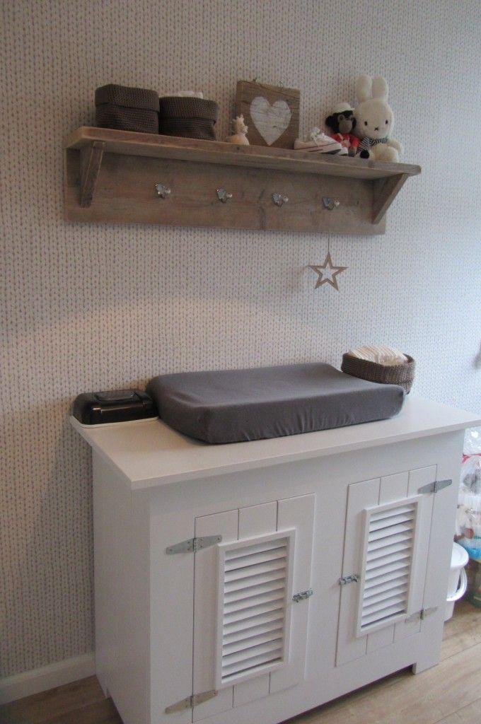 Idee voor kastje boven commode vooral kleur inspiratie babykamer pinterest babies nursery - Idee voor babykamer ...