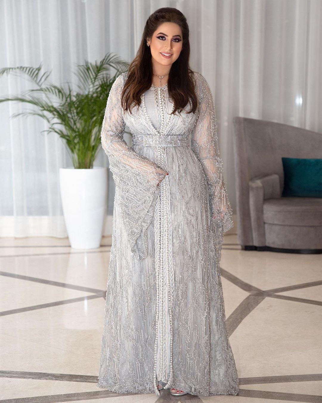 Pin By New Era On Fashion Fashion Formal Dresses Dresses