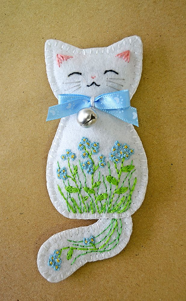 Forget-me-not Meadow Kitten felt brooch by Ailinn-Lein.deviantart.com on @DeviantArt