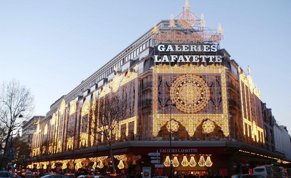 Pensando Em Ir Para Paris Galleries Lafayette Fazem Liquidacao De Inverno Ate Fim De Fevereiro Compras Em Paris Natal Em Paris Dicas Paris
