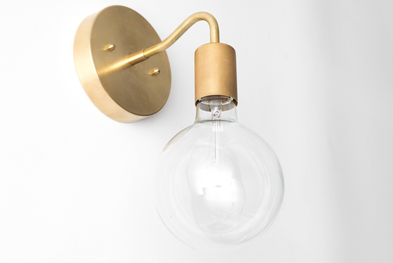 Brass Wall Sconce Globe Sconce Minimal Sconce Light Gold Wall Lamp Raw Brass Fixture Modele No 3655 Parement Mural Laiton Et Tableau Noir Dans La Cuisine