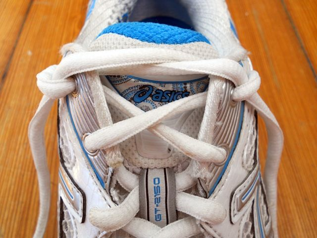 How to tie your shoes for ankle support | Shoes after injury