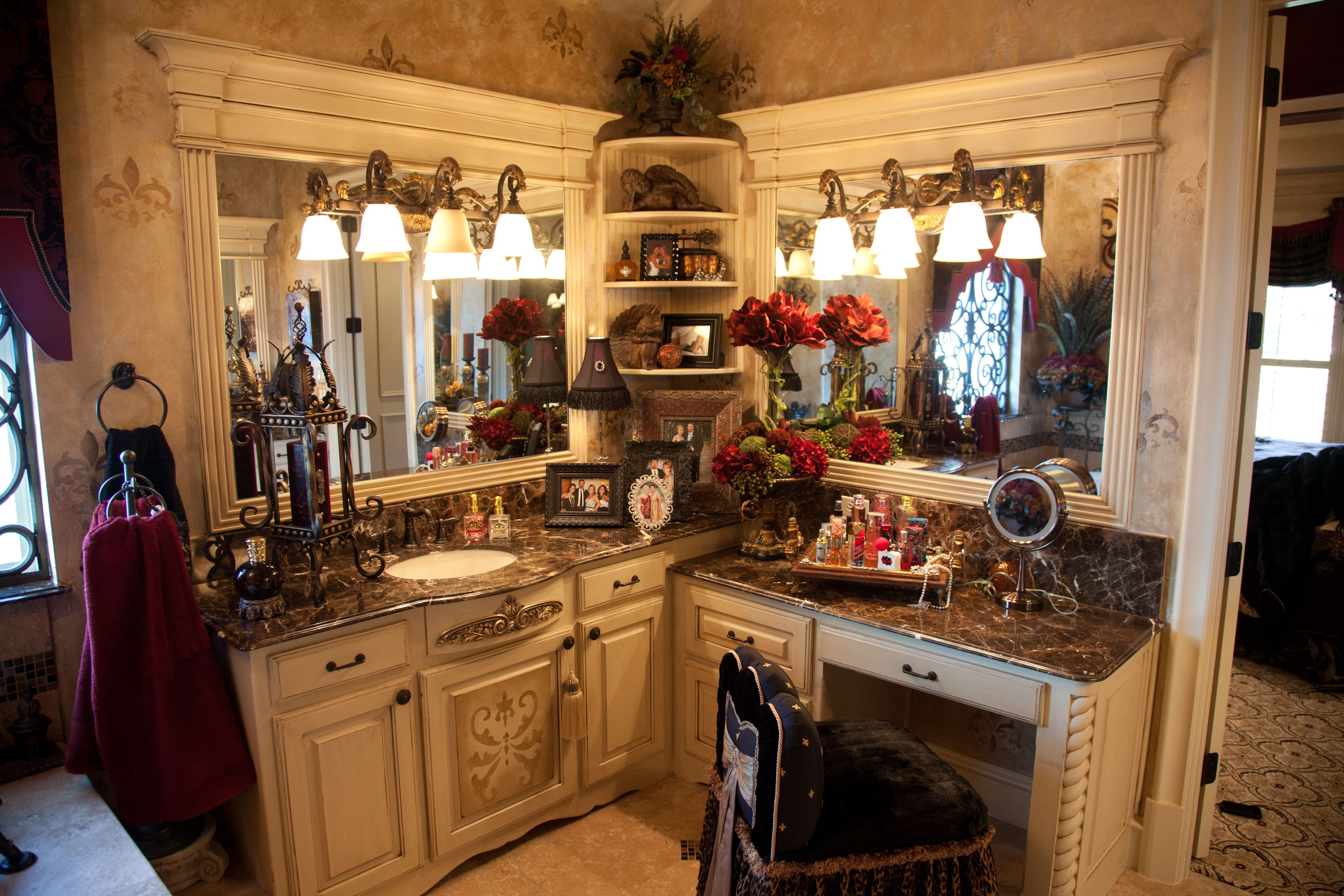 After Donna Moss Designs added some bling.   Donna Decorates Dallas ...