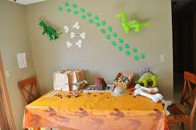 Image result for dinosaurs party decorations ideas Krakka afmli