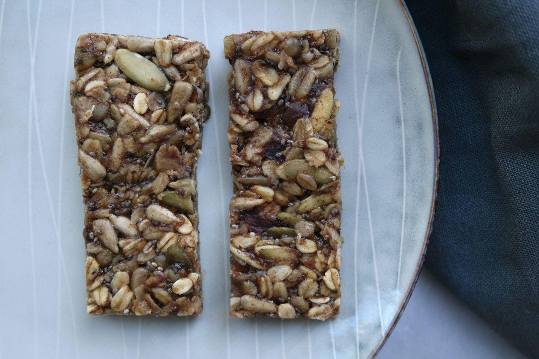 RAW SUPER SEEDY GRANOLA BARS - Recipe from Stay Healthy, Stay Happy