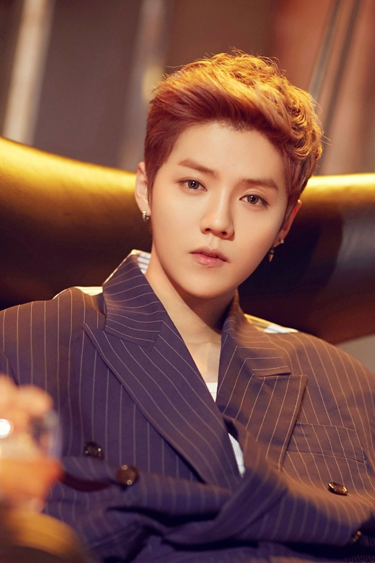 Luhan 鹿晗 New Release On Call Publicity Photo Cantores Lu Han Rapazes Bonitos