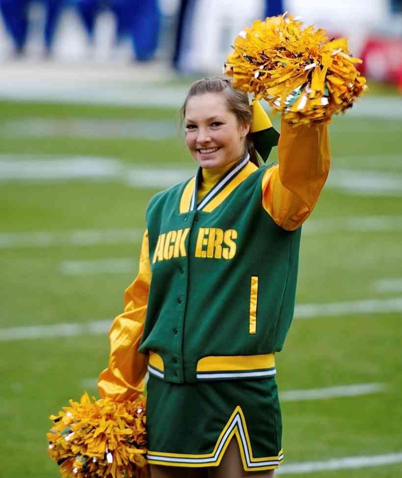 Green Bay Cheerleader Costume Green Bay Cheerleaders Green Bay Packers Cheerleaders Cheerleader Costume