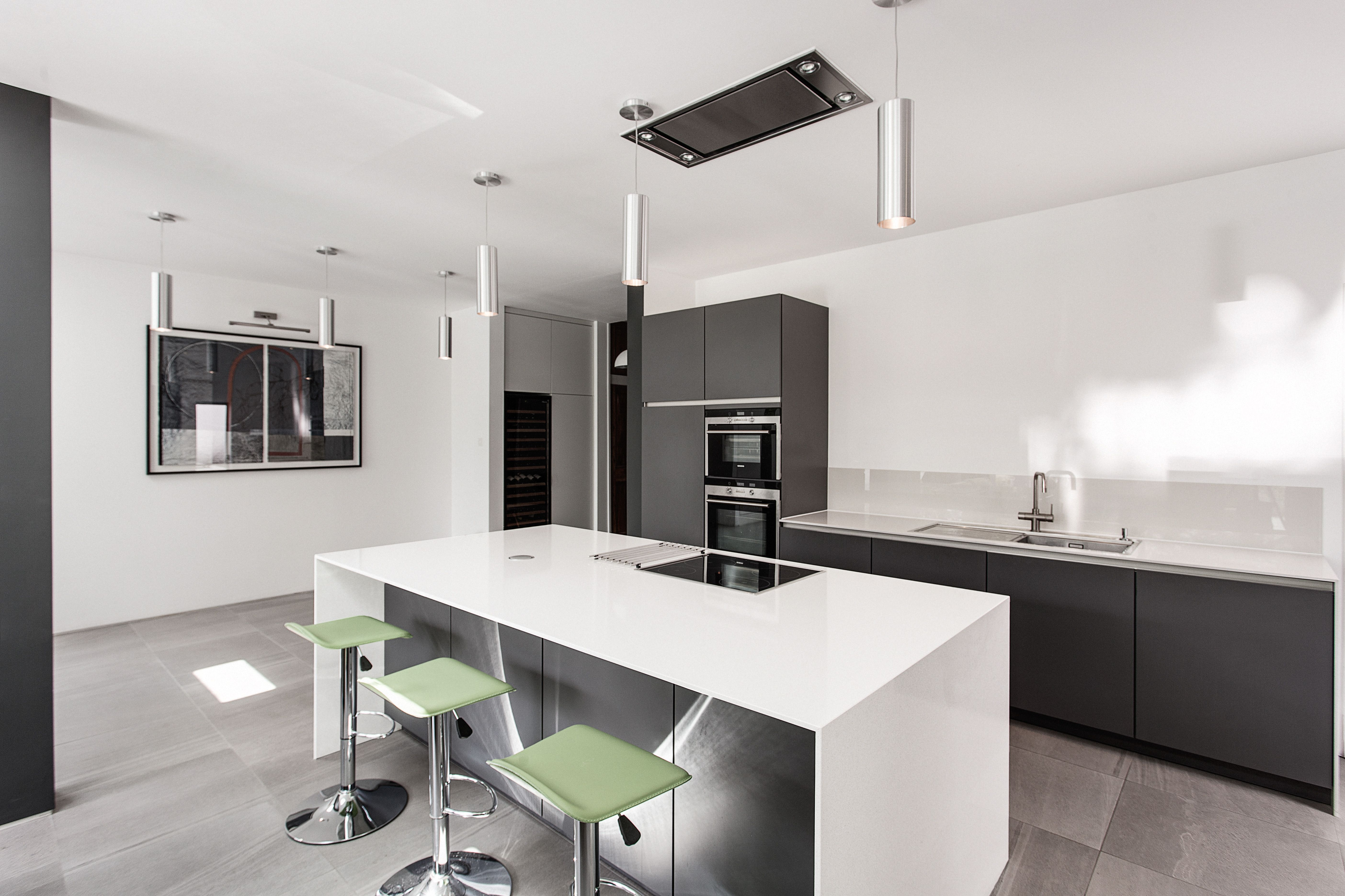 Basalt grey from SieMatic and white Silestone