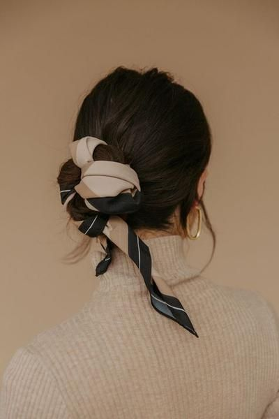 Photo of 6 Ways to Style Your Hair Wearing a Turtleneck