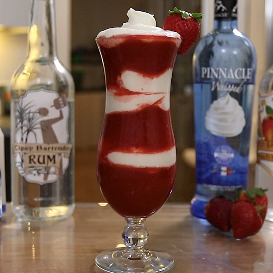 Strawberry Cream Daiquiri Tipsy Bartender Recipe Yummy Alcoholic Drinks Strawberry Mixed Drinks Strawberries And Cream