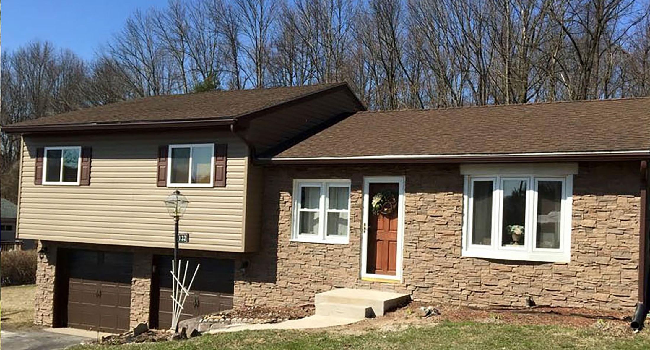 Refacing Brick Exterior Options For Covering Exterior Brick Exterior Brick Stone Siding Exterior Exterior Brick Veneer