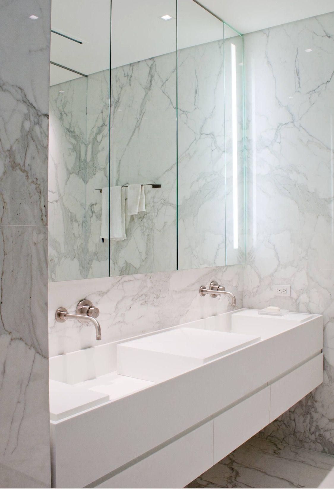 Master bath inset sinks bad - Marmorfliesen bad ...