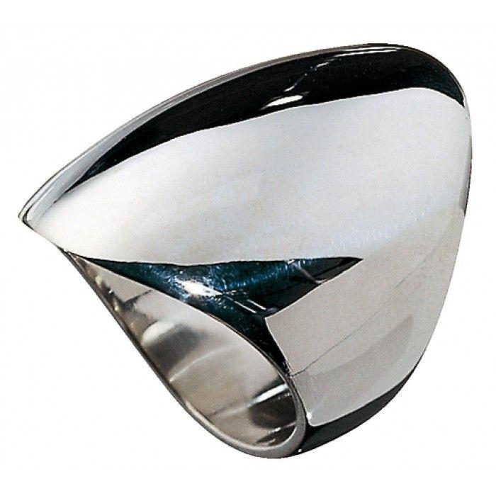 Elegant -korusarjan hopeinen sormus. Sormuksesta on saatavilla koot 16.0 - 22.5.Leveys: 30 mmElegant- koruissa ajaton muotoilu, kauniisti hiotut kivet sekä huolellinen käsityö luovat moderneja ja puhdaslinjaisia koruja.