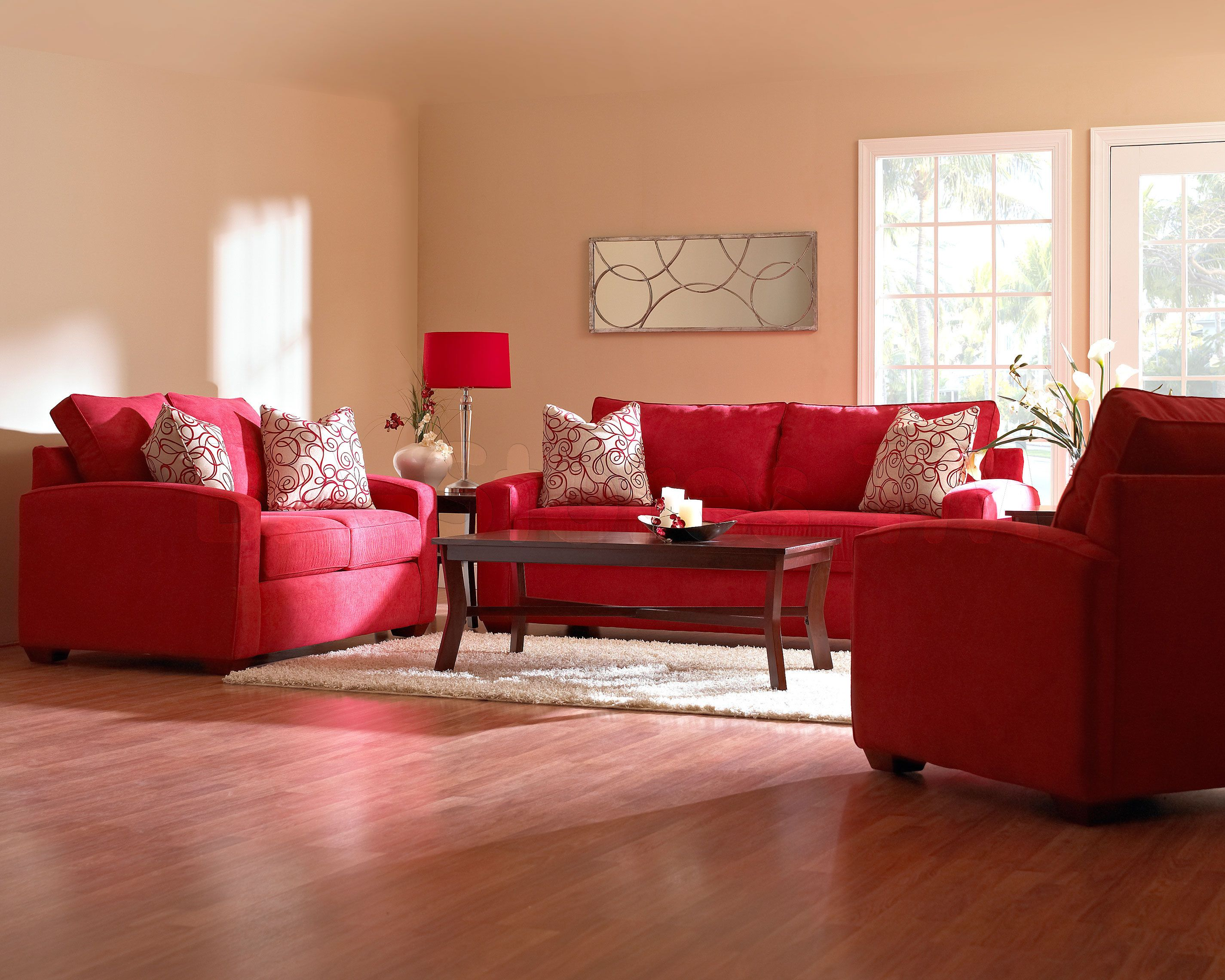 Living room with red furniture red couch living room for Drawing room setting