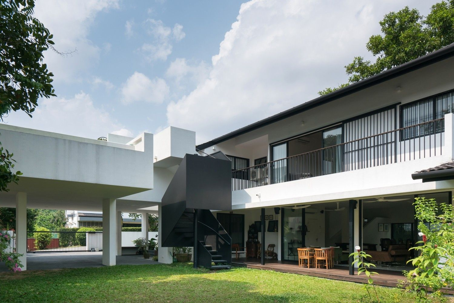 Gallery Of Eigent House Fabian Tan Architect 6 Modern Bungalow House Design Bungalow House Design Modern Bungalow