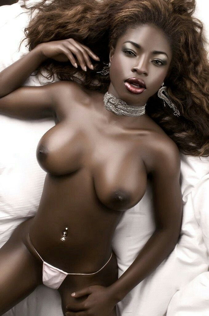dark-chocolate-women-nude