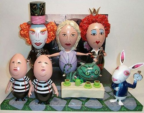 Artist John Lamoroni does amazing egg portraits of everyone from President Obama to Elton John. My personal favorite is this wonderful piece featuring the characters from Tim Burton's Alice in Wonderland.