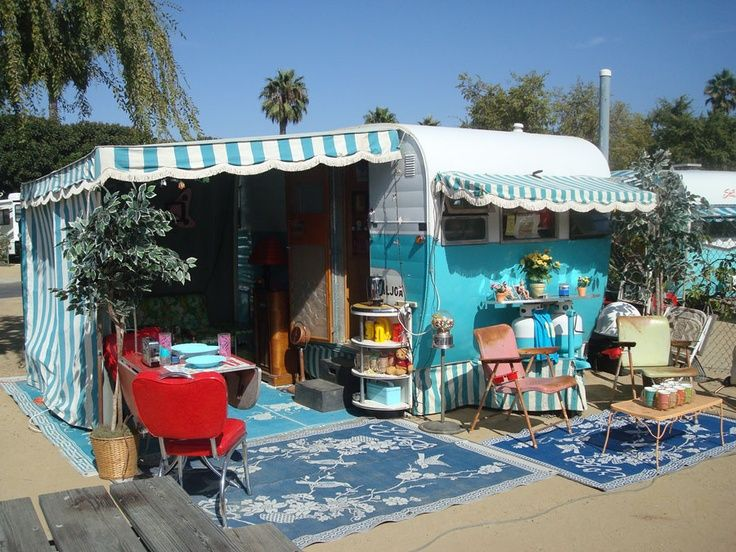 Shasta Awnings Adorable Shasta Trailer Setup Did You See The Awning And Matching Vintage Camper Vintage Trailers Vintage Trailer