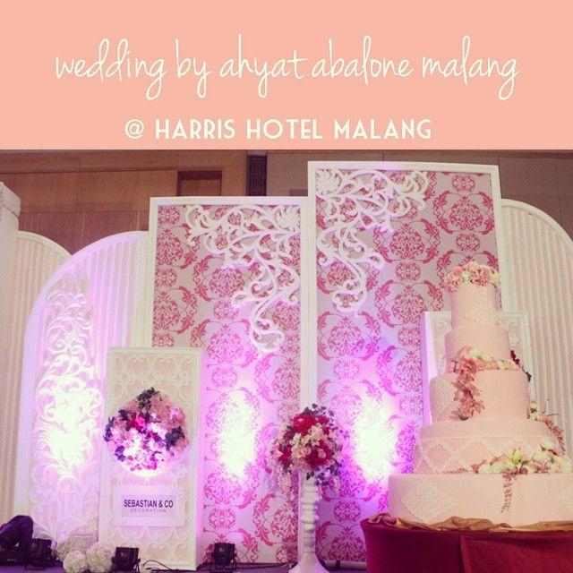 Sebastiandecoration wedding decoration malang harrishotelmalang sebastiandecoration wedding decoration malang harrishotelmalang ahyatabalonemalang pink white junglespirit Images