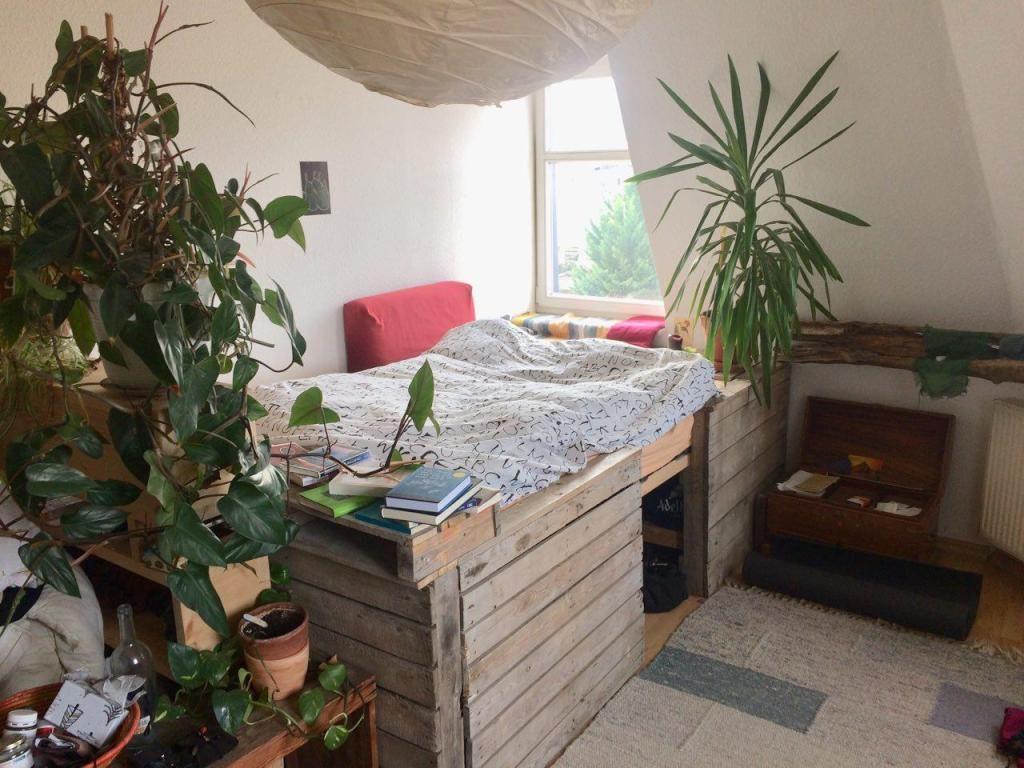Wohnideen Leipzig plateau bett als kleine oase diy europaletten pflanzenfreude