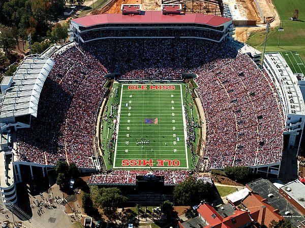 Ole Miss Vaught Hemingway Stadium Ole Miss Campus Ole Miss University Of Mississippi