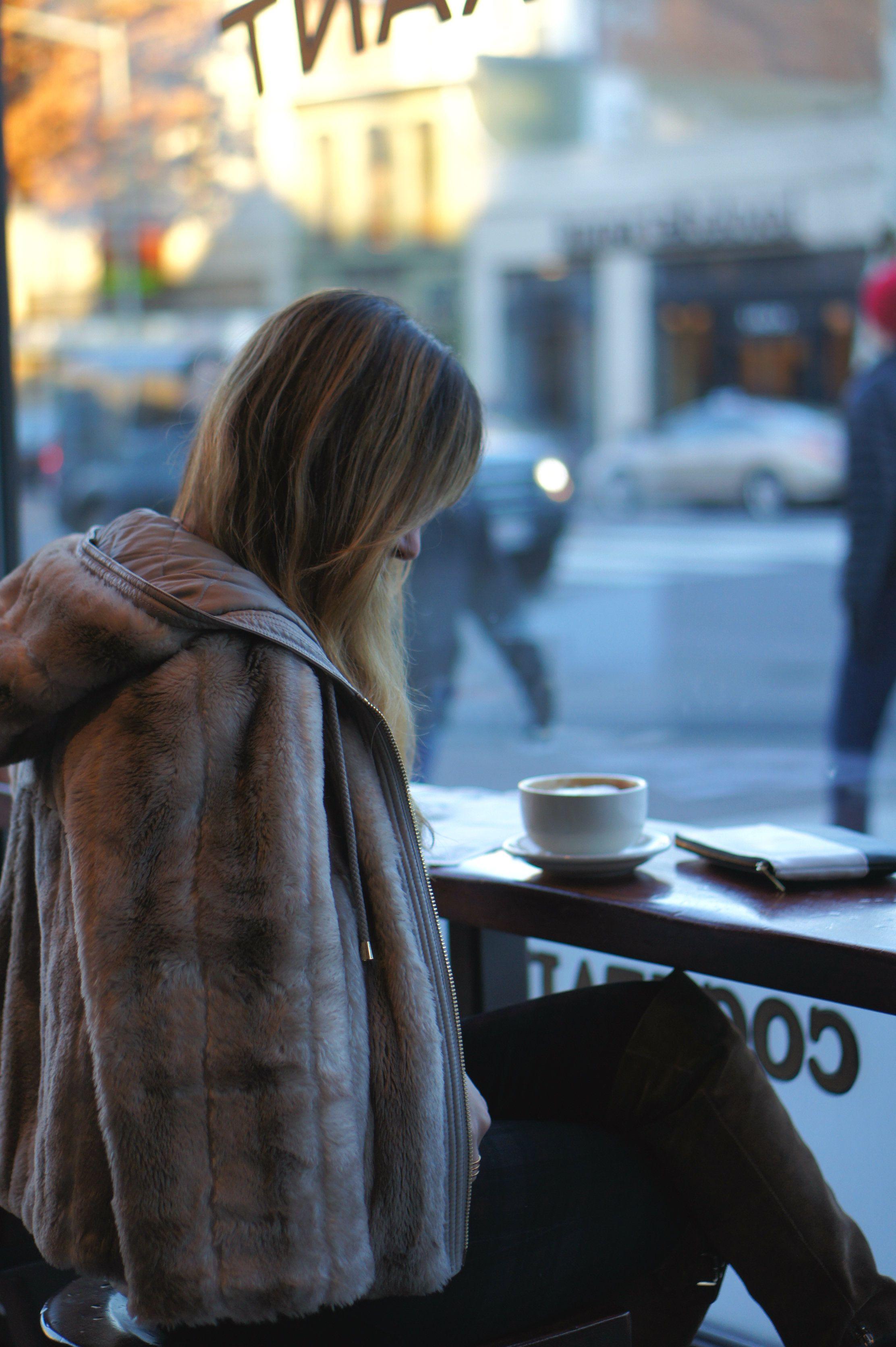 لايمكن ان نحتسي القهوة منفرداً.. فان لم يشاركك الحنين