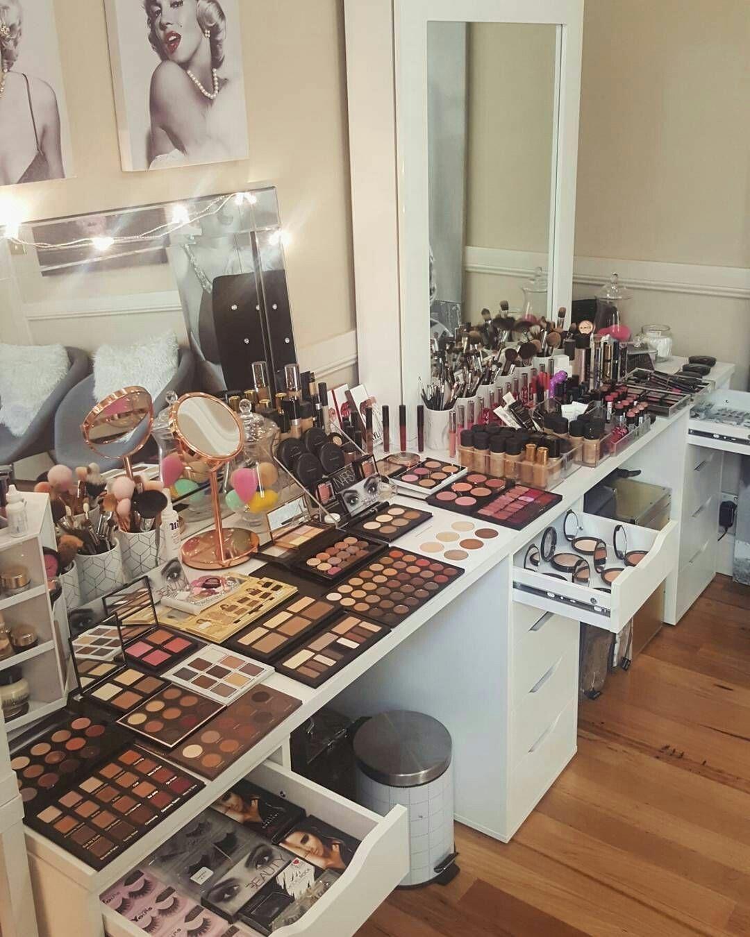 Pin by Rosalyn Jiménez on beauty » bar Makeup rooms