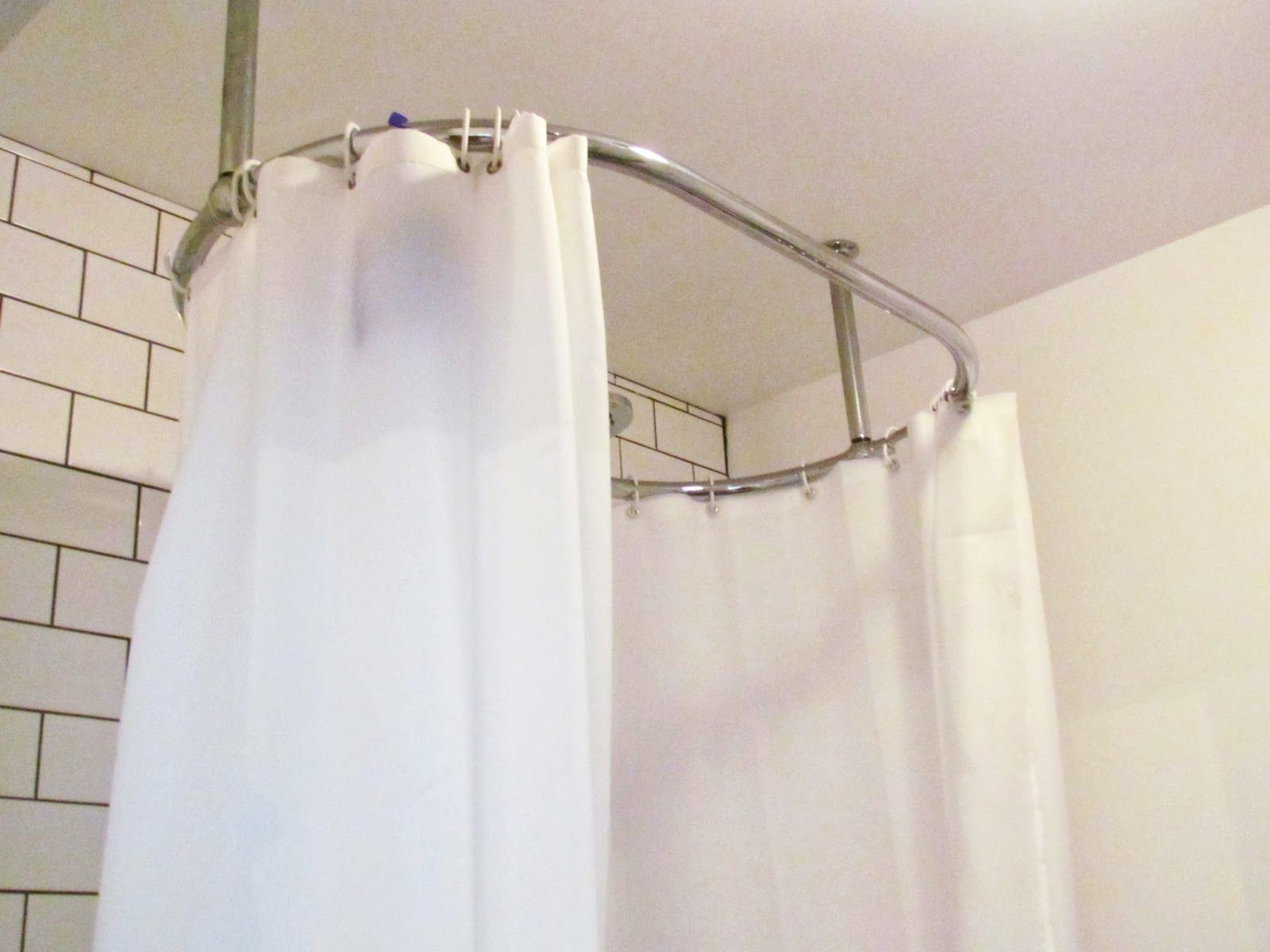 Pin By Leigh Ann On Decor Ideas Round Shower Curtain Rod Shower