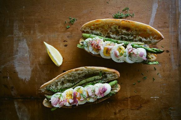 Spring sandwich: boiled egg, seared asparagus, pickled onion