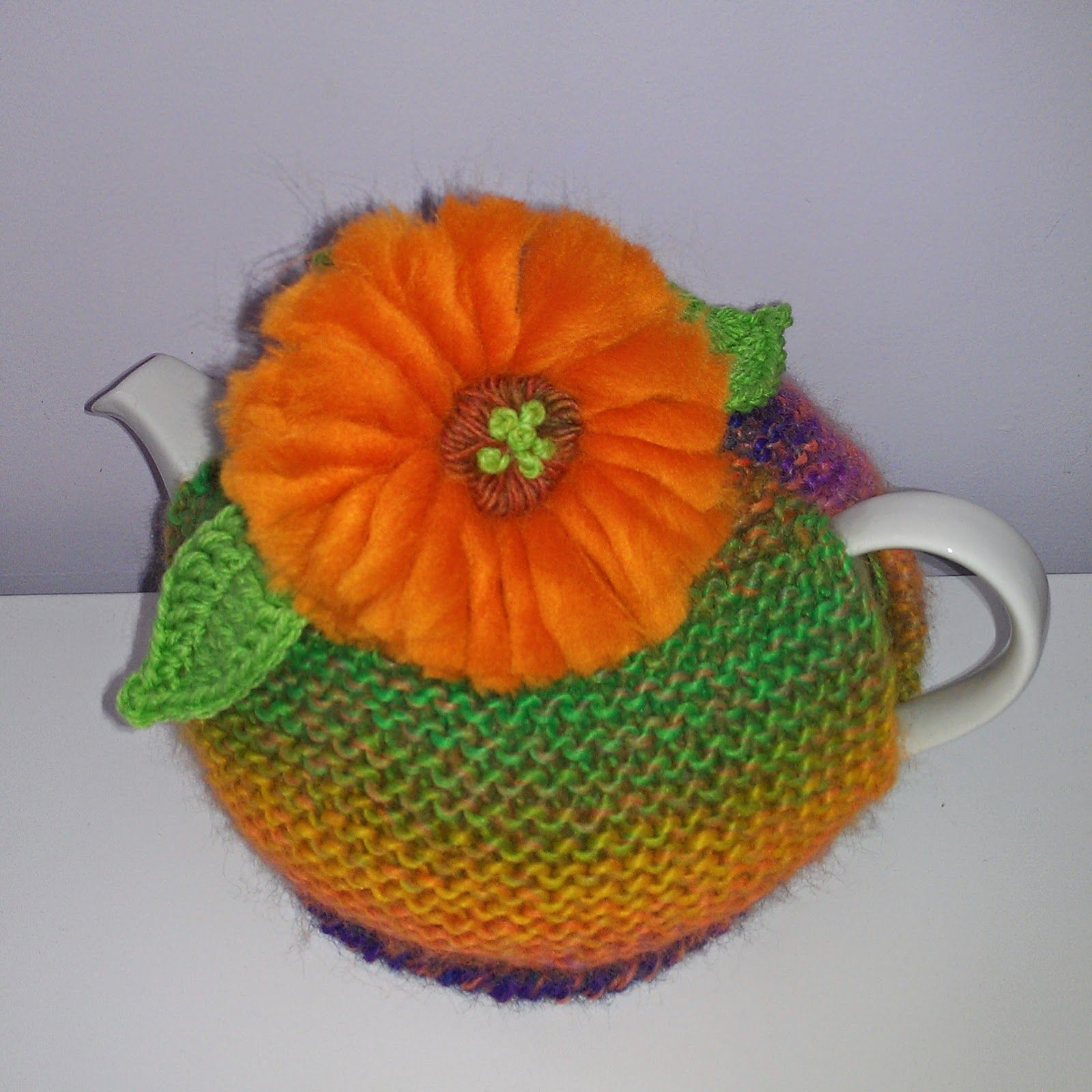 Craft a cure for cancer free tea cosy patterns: Gerbera tea cosy ...