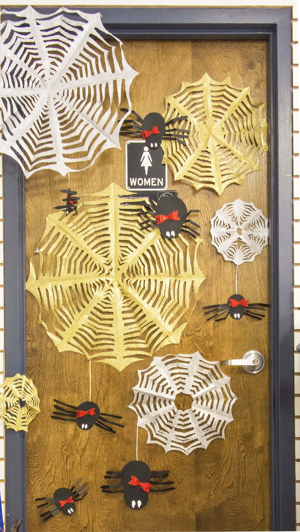 DIY Halloween Door Decorations Halloween door decorations, DIY - halloween decorations diy